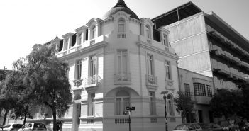 fachada_casona_bn